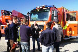 Die Wesenberger sammelten jede Menge Informationen zu neuer Feuerwehrtechnik.