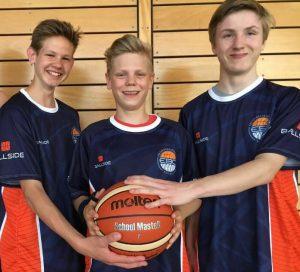 Ben Nauenburg, Jannes Gau, Richard Hünemörder und Anton Schmidt (von links) sind Carolinum Baskets, die auch beim Bundesliga-Aspiranten EBC Rostock hoch im Kurs stehen. Foto: Carolinum