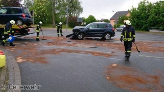 Einsatz xer Wesenberger Kamerade heute auf der Kreuzung B198/B122. Foto: Feuerwehr
