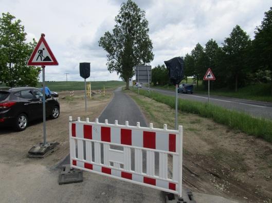 An dieser Stelle am Ortsrand von Wesenberg wird morgen der neue Radwegabschnitt offiziell eröffnet.