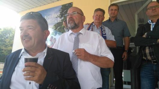 Stadion ok, TSG-Spiel nicht: Lorenz Caffier, Harry Glawe, Hauke Runge, Vincent Kokert und TSG Sprecher Stephan Neubauer (von links).