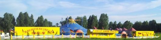 """""""Wetten, dass wir Sie begeistern"""" schreibt Barlay auf seine Plakate. Foto: Circus"""