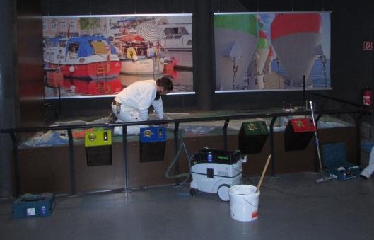 Letzte Malerarbeiten im Müritzeum vor der Wiedereröffnung. Foto: Müritzeum