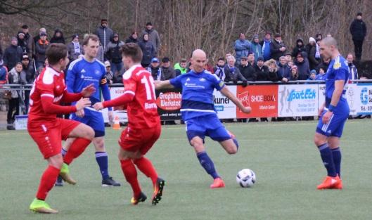 Für die TSG , hier in Blau gegen Budissa Bautzen, gilt es in jena, an die guten Leistungen in den letzten beiden Punktspielen anzuknüpfen.
