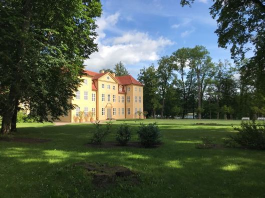 Schloss_Mirow_Sommer